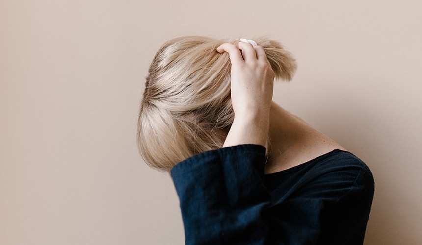 How to Care for Blonde Hair During Social Distancing